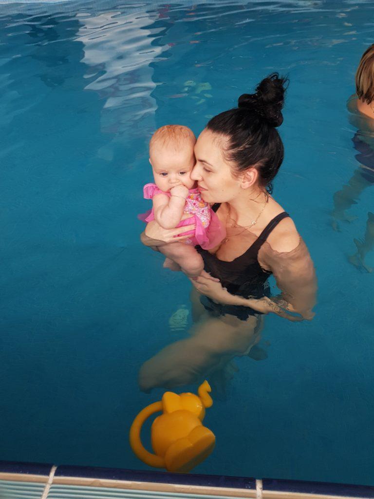 Basen z niemowlakiem - kiedy? Jak się przygotować? KONKURS